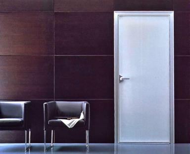матовая интерьерная дверь